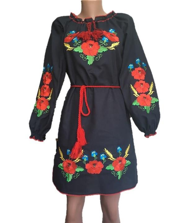 Черное платье вышиванка маки