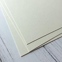 Картон дизайнерський - крем - з легкою фактурою - 25х19 см - 300 г./м.кв