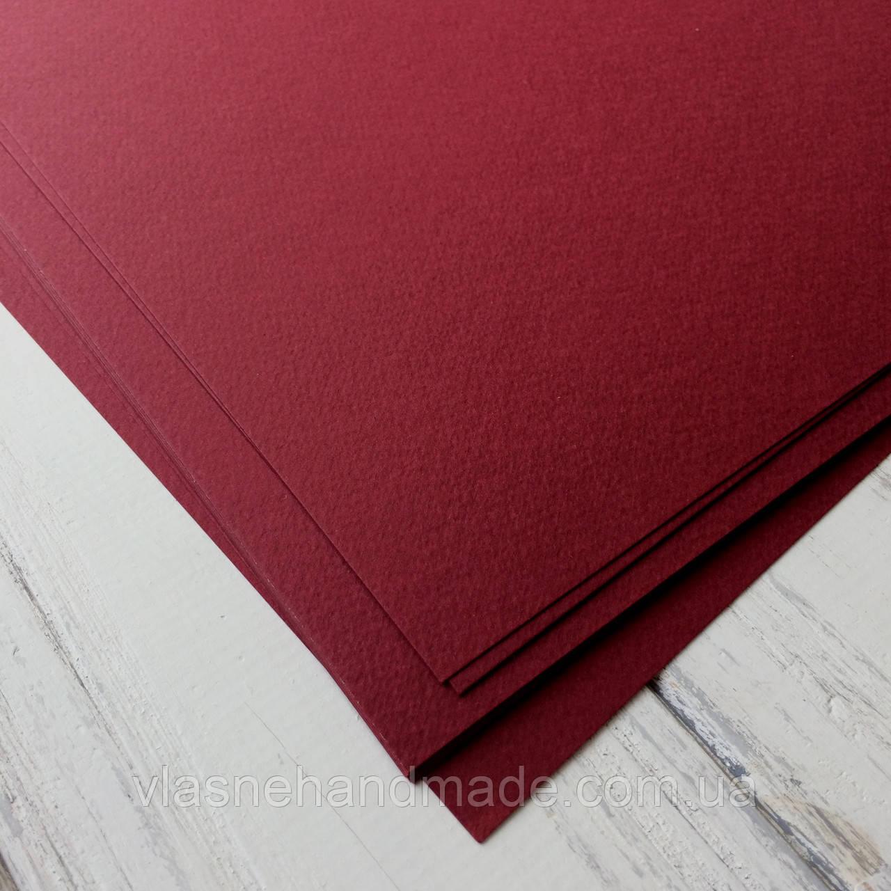 Картон дизайнерський - бордо - з легкою фактурою - 21,5х20 см - 250 г./м.кв