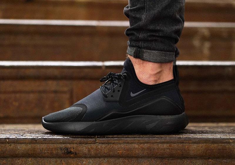 "Мужские кроссовки Nike LunarCharge Essential ""Triple Black"" 923284-001"
