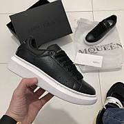 Женские кроссовки в стиле Alexander McQueen Leather Black Черный