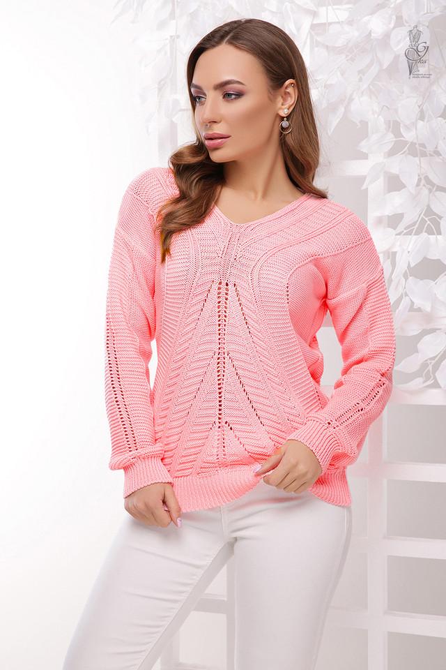 Цвет розовый Вязаного женского свитера Влада