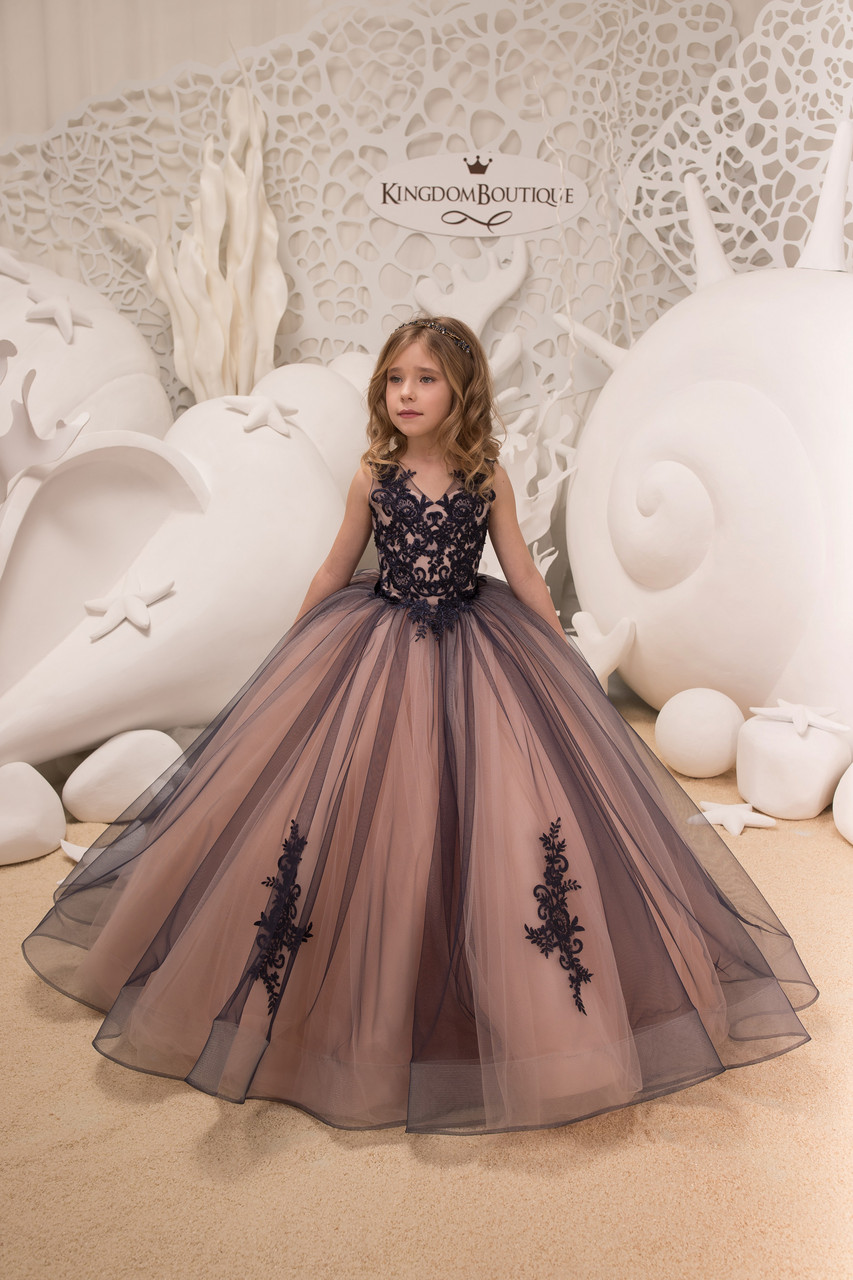 Шикарное детское вечернее длинное платье. Пышный низ. Лиф с отделкой