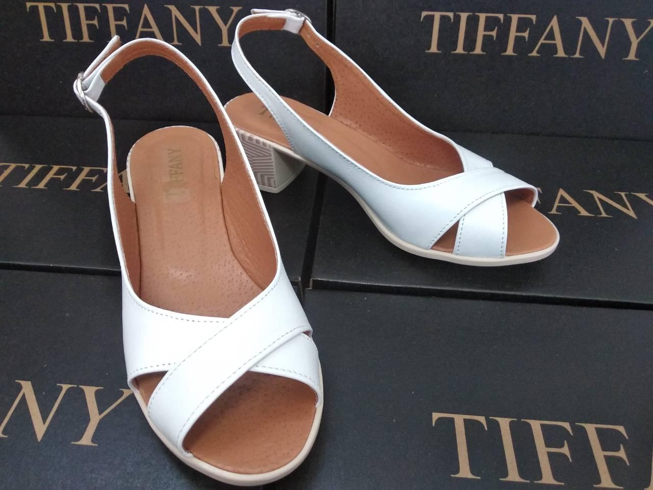 Женские кожаные белые босоножки TIFFANY на каблуке оптом