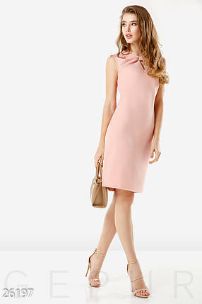 Летнее деловое платье лаконичного кроя миди без рукав розовое большие размеры, фото 2
