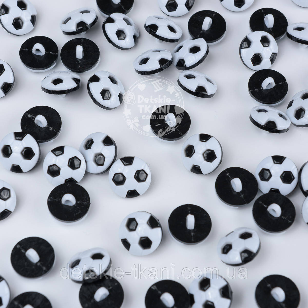 """Пуговицы """"Футбольные мячи"""" бело-чёрные  П-029"""