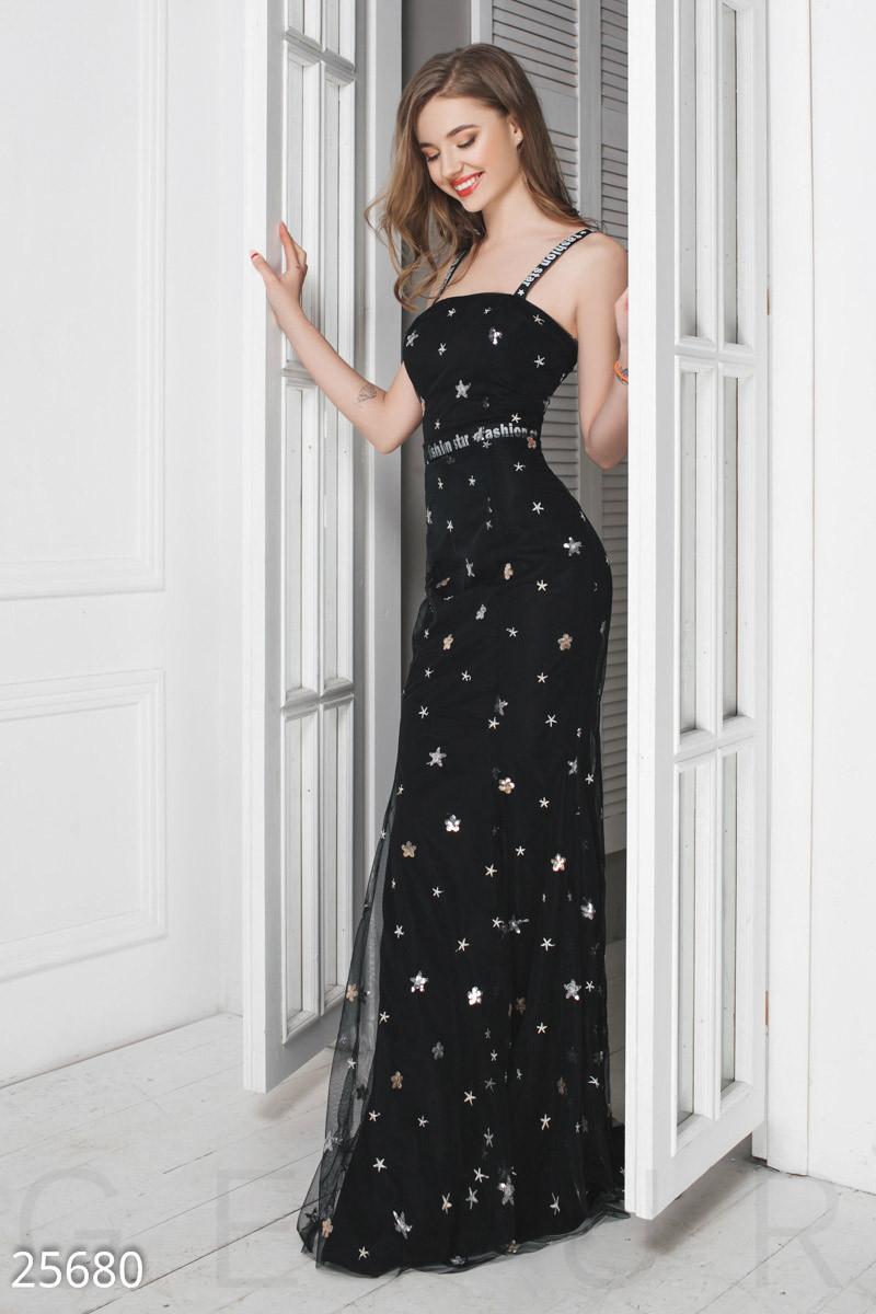 19901ddd6b67251 Вечернее платье макси из сетки приталенное на бретельках с открытой спиной  черное -