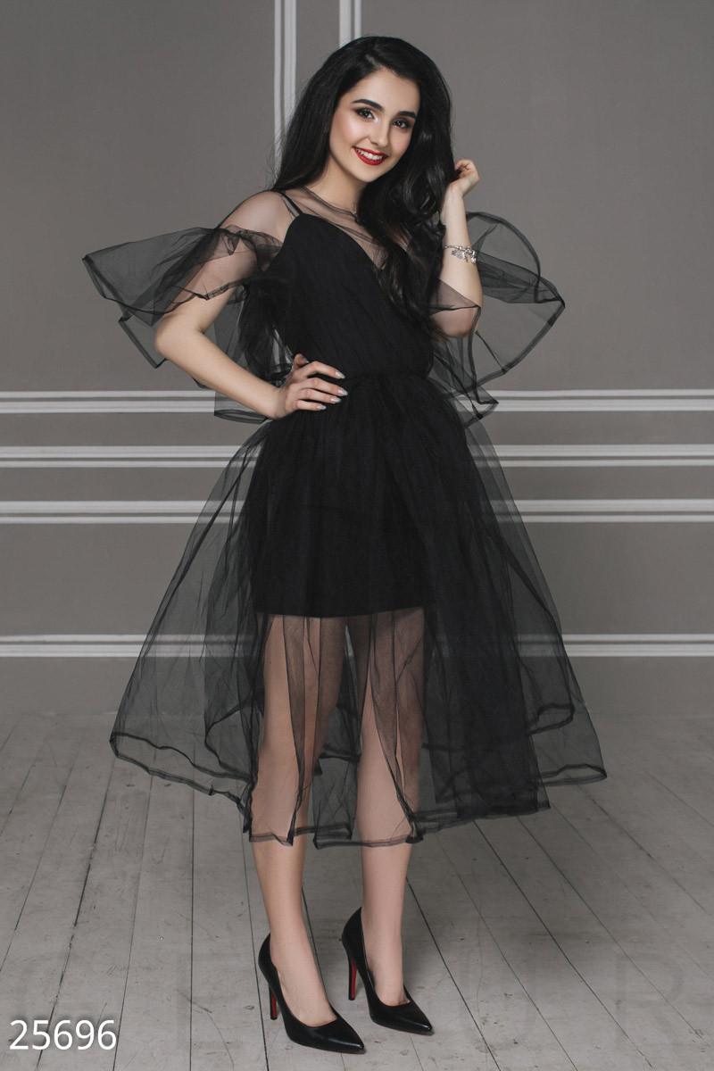 Нарядное платье средней длины с воланами из фатина черное