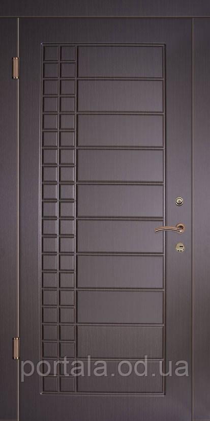 """Входная металлическая дверь """"Портала"""" для квартиры (серия Комфорт) ― модель Реус"""