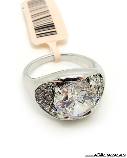Аристократичное кольцо с крупным фианитом