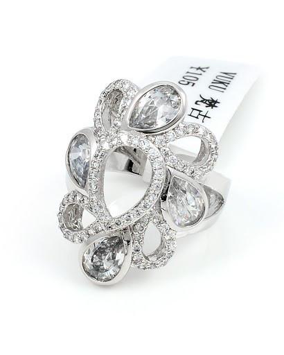 Богатое родированное кольцо с фианитами