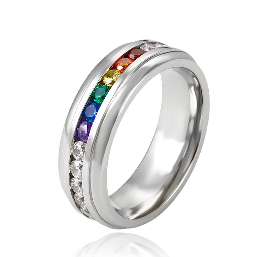 Великолепное кольцо с цветными фианитами