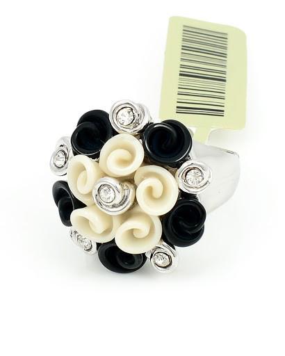Живописное кольцо с фианитами и акрилом