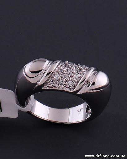Интересное кольцо с фианитами