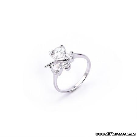 Нежное ассиметричное кольцо Бабочка