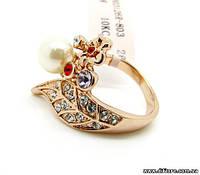 Нежное кольцо с жемчугом и фианитами