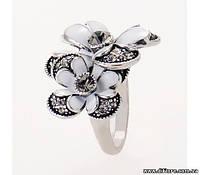 Нежное кольцо с цветами и белой эмалью