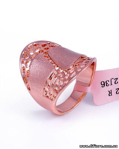 Неординарное ажурное кольцо