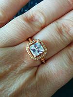 Элегантное кольцо с квадратным фианитом