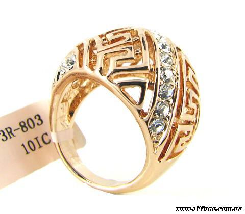 Превосходное кольцо с фианитами золото