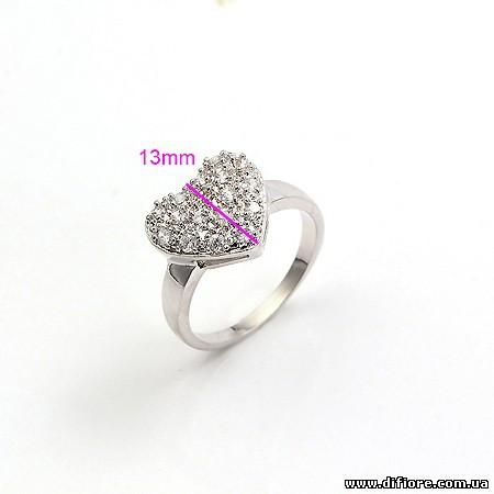 Прекрасное кольцо с фианитами Сердце