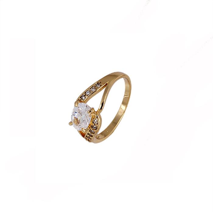 Привлекательное кольцо с овальным фианитом