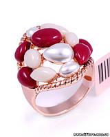 Эффектное кольцо с красными и белыми полубусинами