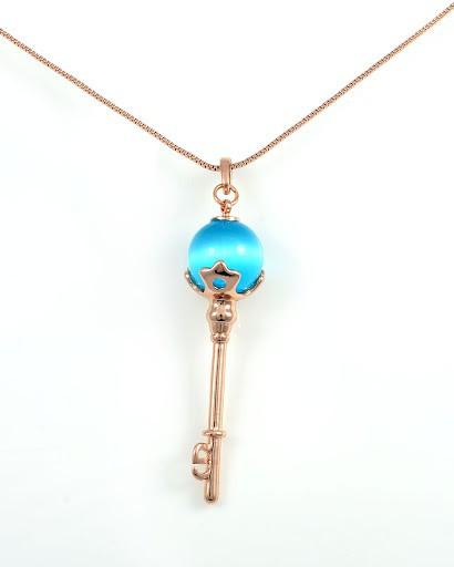 Необычный кулон Ключ с кошачим глазом голубого цвета