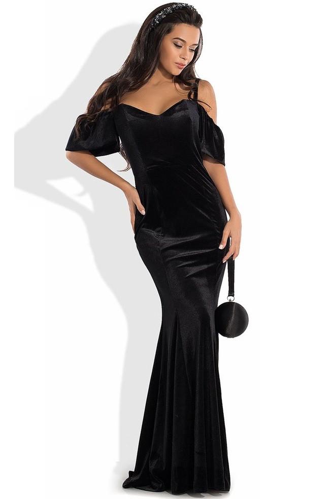 Черное вечернее платье из бархата