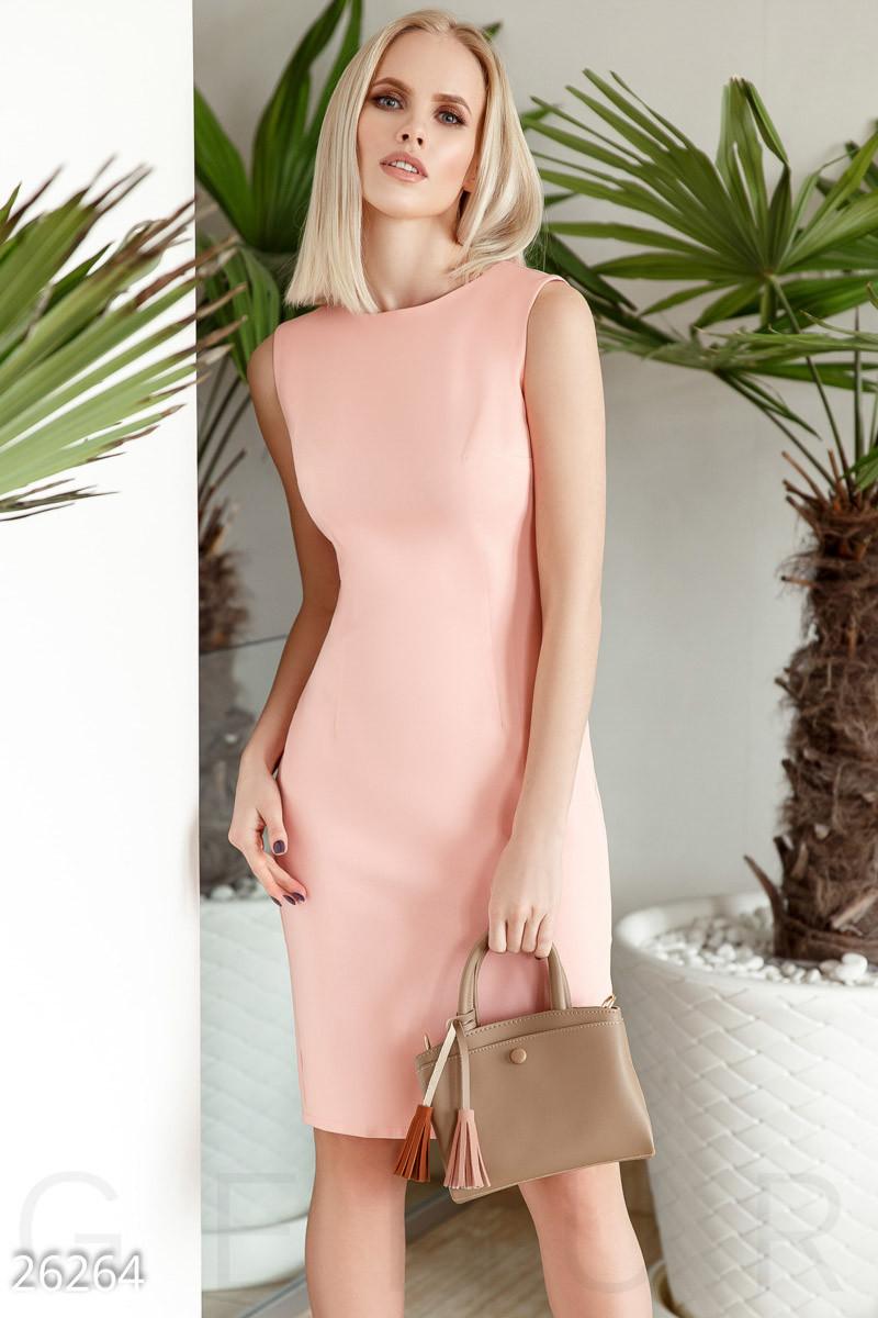 Летнее платье средней длины с разрезом без рукав большие размеры