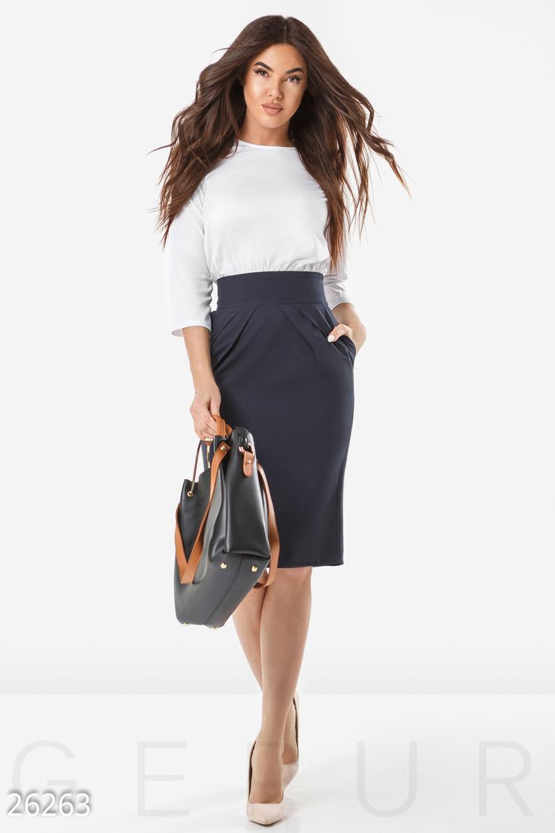 Деловое платье миди двухцветное по фигуре большие размеры бело синее