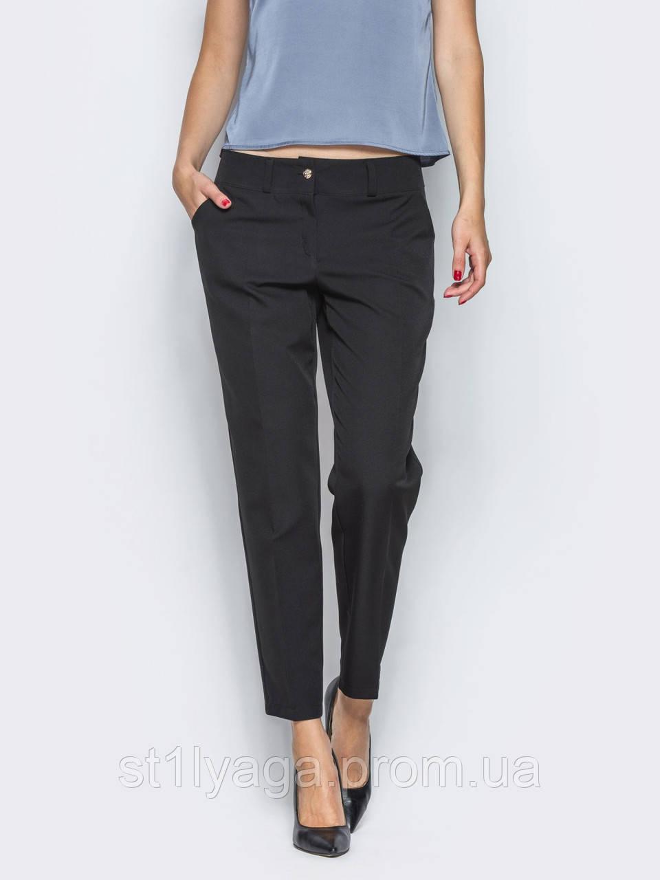 Укорочені брюки зі стрілками і косими кишенями з боків