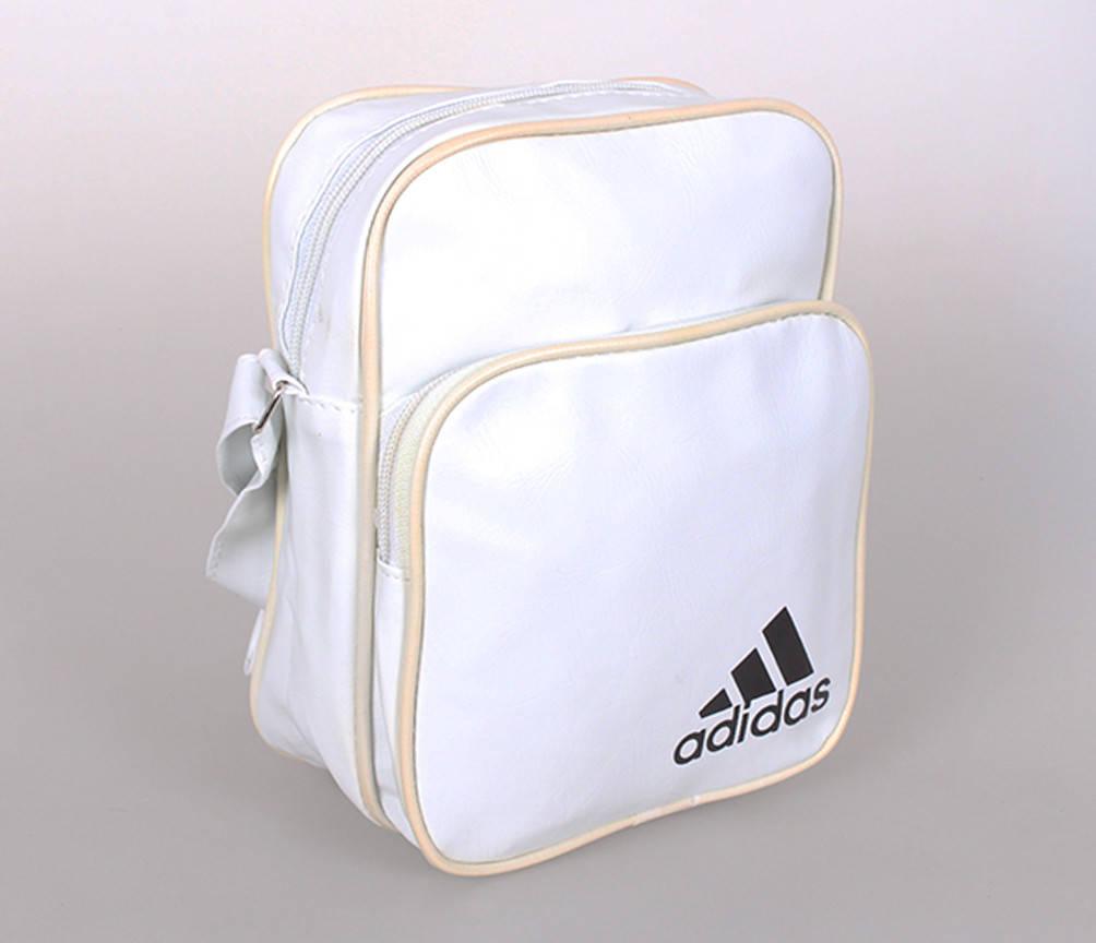 Белая сумка через плечо