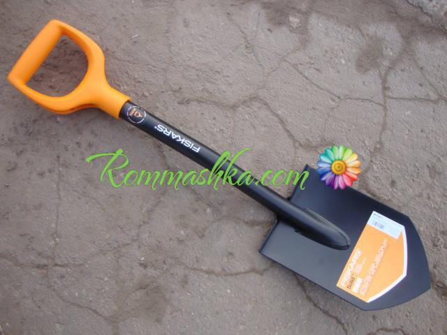 Сапёрная  лопата Fiskars Solid (131417)