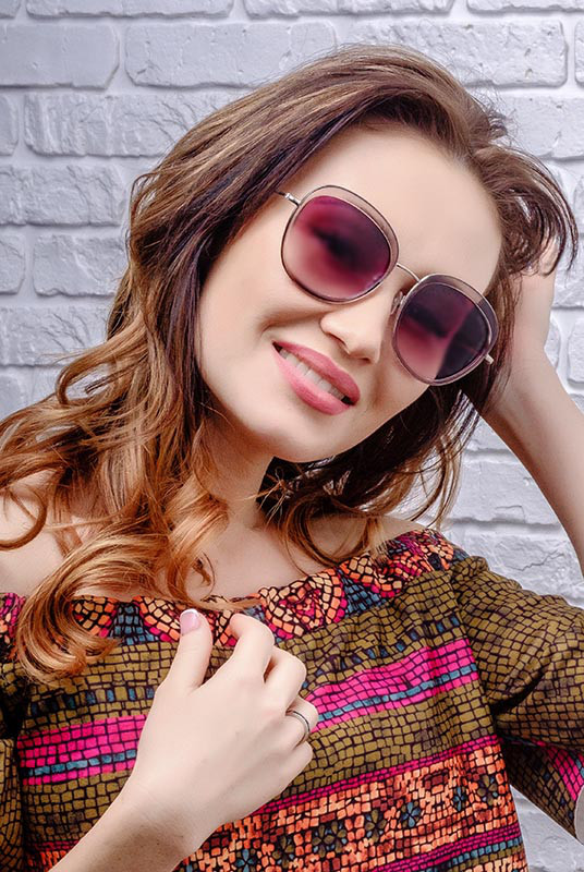 Солнцезащитные очки Miu-Miu 8001