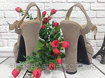 Босоножки замшевые на толстом устойчивом каблуке бежевого цвета открыты носок и пятка Код 1568, фото 2