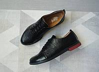 Туфли женские кожаные с шнурками на низком ходу черные