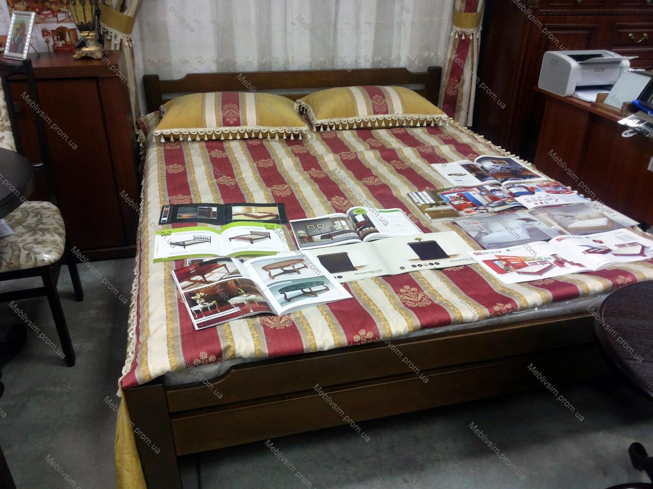 Кровать двуспальная деревянная из массива ольхи Ольга  Микс мебель, цвет орех / каштан