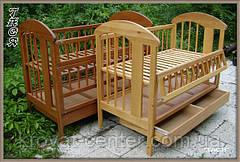 """Дерев'яне ліжечко-манеж для новонароджених """"ТАСЯ""""."""