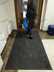 Грязезащитный ворсовый ковер на резиновой основе при входе в помещение 8