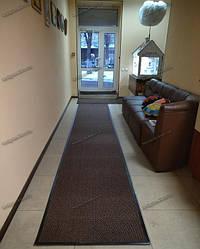 Грязезащитный ворсовый ковер на резиновой основе при входе в помещение 4