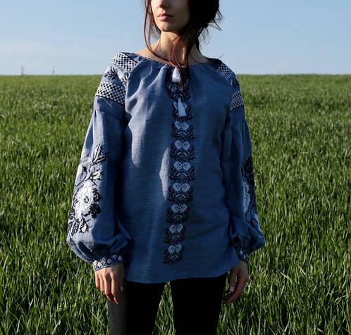 85622cc05aa Жіноча лляна вишиванка синього кольору з рослинним орнаментом  продажа