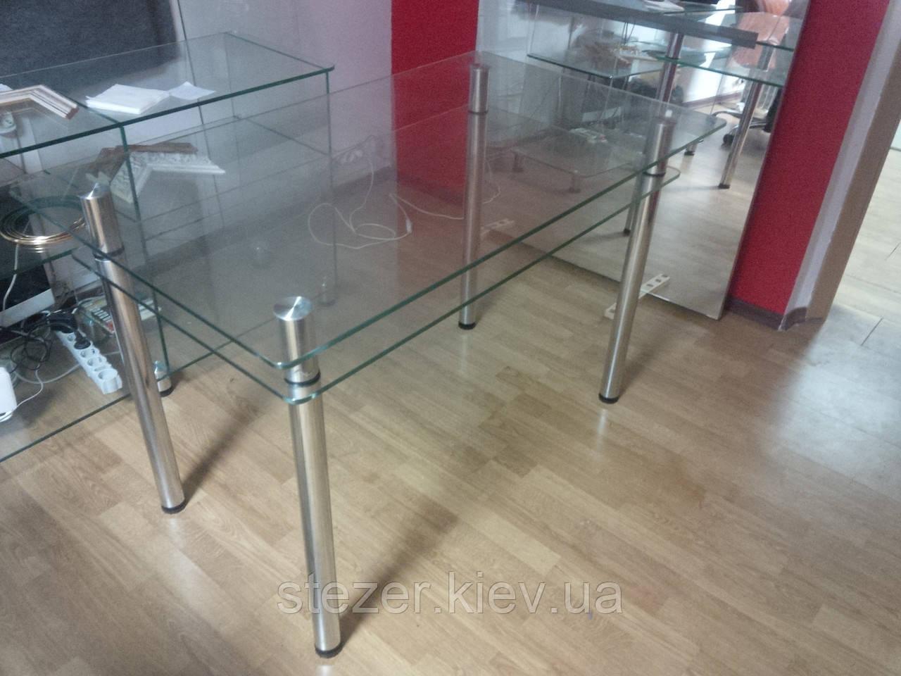 Обеденный прозрачный стол