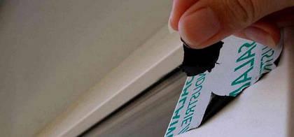 6 способов очистки пластикового окна от прилипшей «намертво» защитной пленки