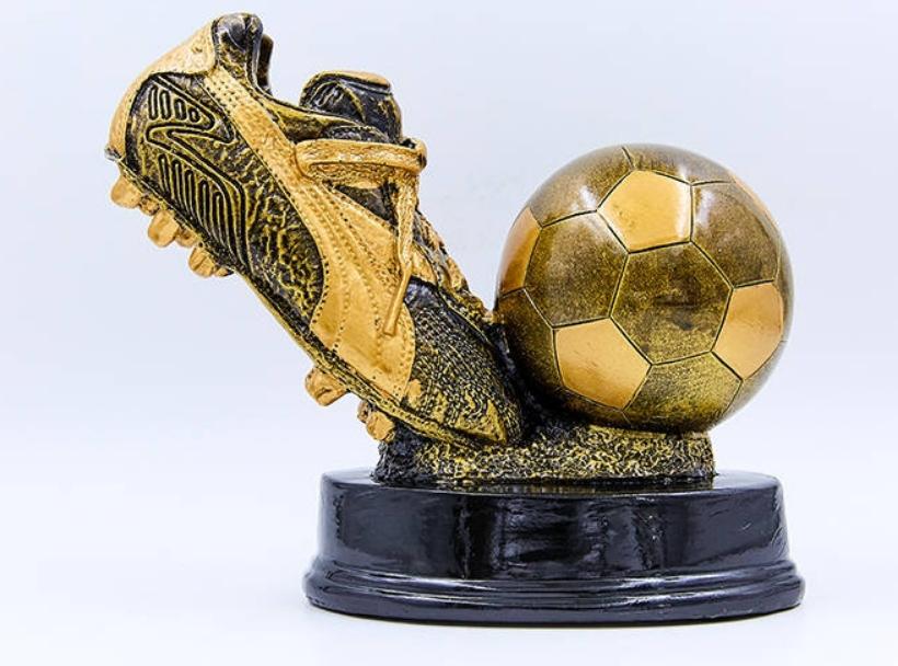 Статуэтка наградная Бутса с мячем  (17,5 см)