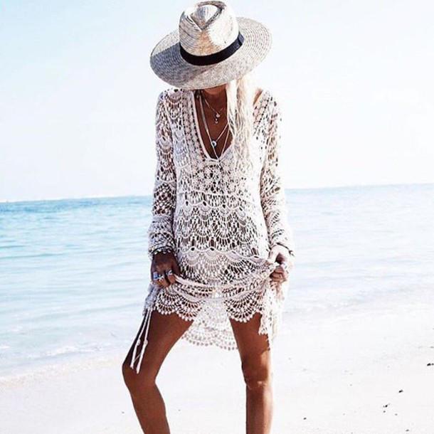 Пляжное платье белое гипюровое летнее коттоновое Парео на длинный рукав с большим вырезом 146-36