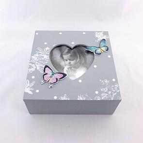 Шкатулка серая с бабочками средняя