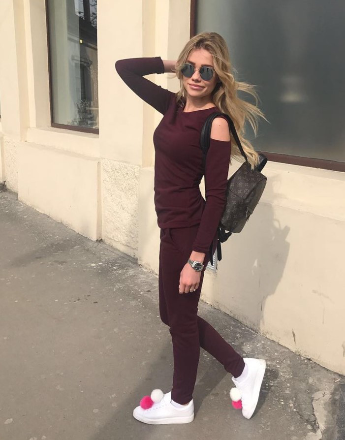 8533b50e8a15 Модный женский костюм с открытыми плечами, бордового цвета - Интернет-магазин  одежды и обуви