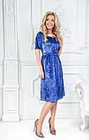 Красивое платье из бархата