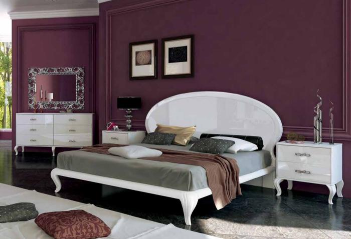 Кровать  «Империя»  твердое изголовье. Миро Марк.